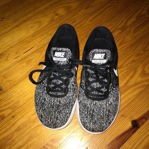 Women's Nike Contact